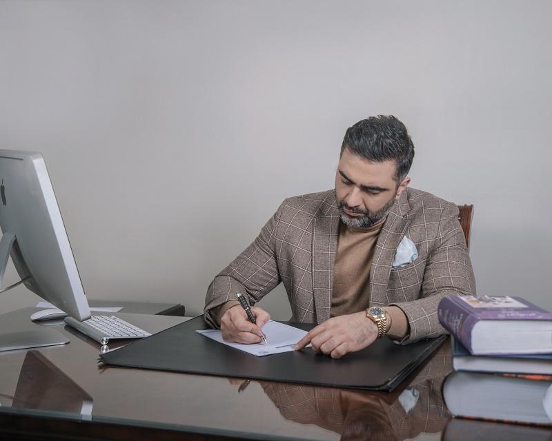 دکتر بحرینی   کاندیدای انتخابات کانون وکلا
