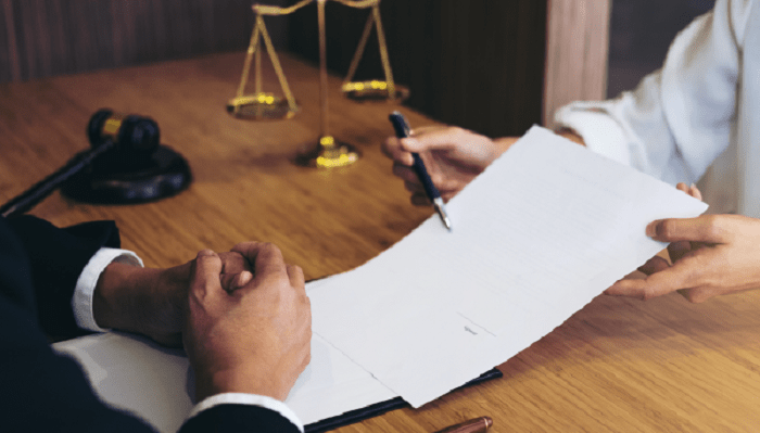محاسبه درآمد سالیانه وکلا